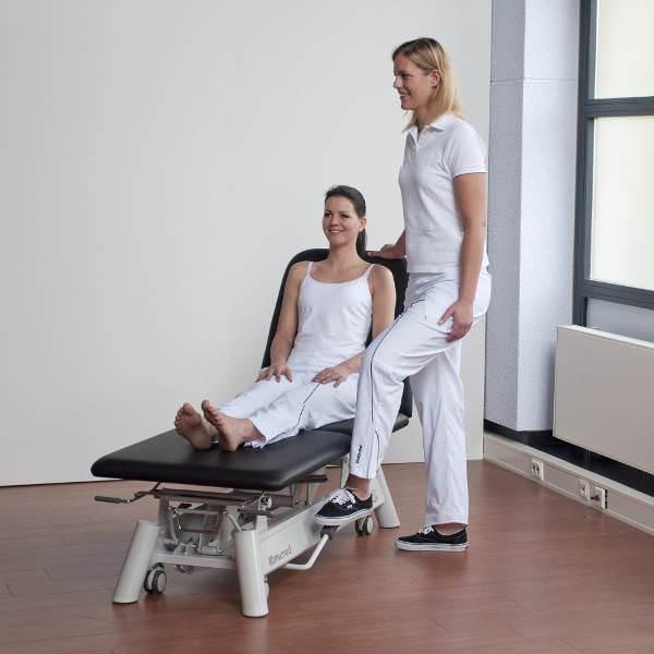 lettini da visita medica con paziente